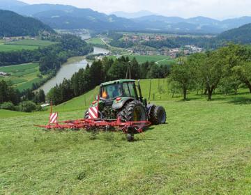 Izvajanje storitev s kmetijsko in gozdarsko mehani...